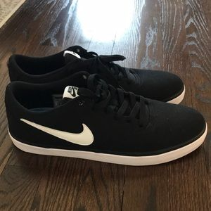 Nike Shoes - Men's Nike SB solarsoft